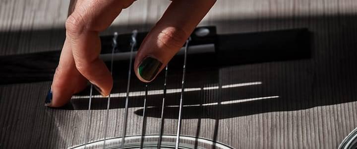 picks - How To Finger Pick Guitar