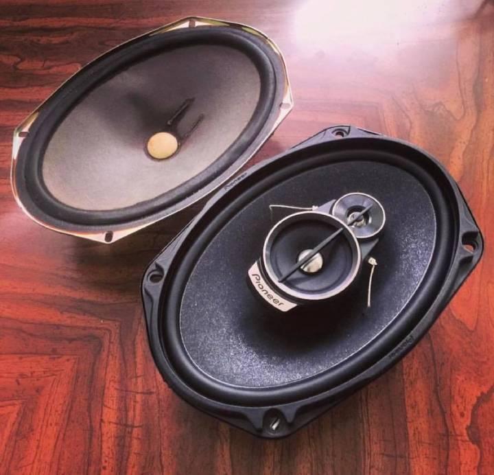 vs speakers