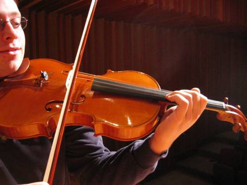 What Is The Difference Between A Violin And A Fiddle
